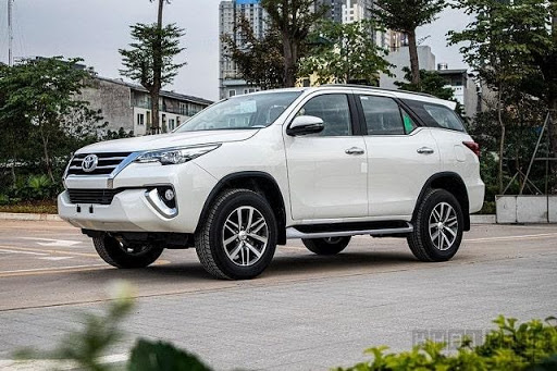 Xe 7 chỗ Toyota Fortuner